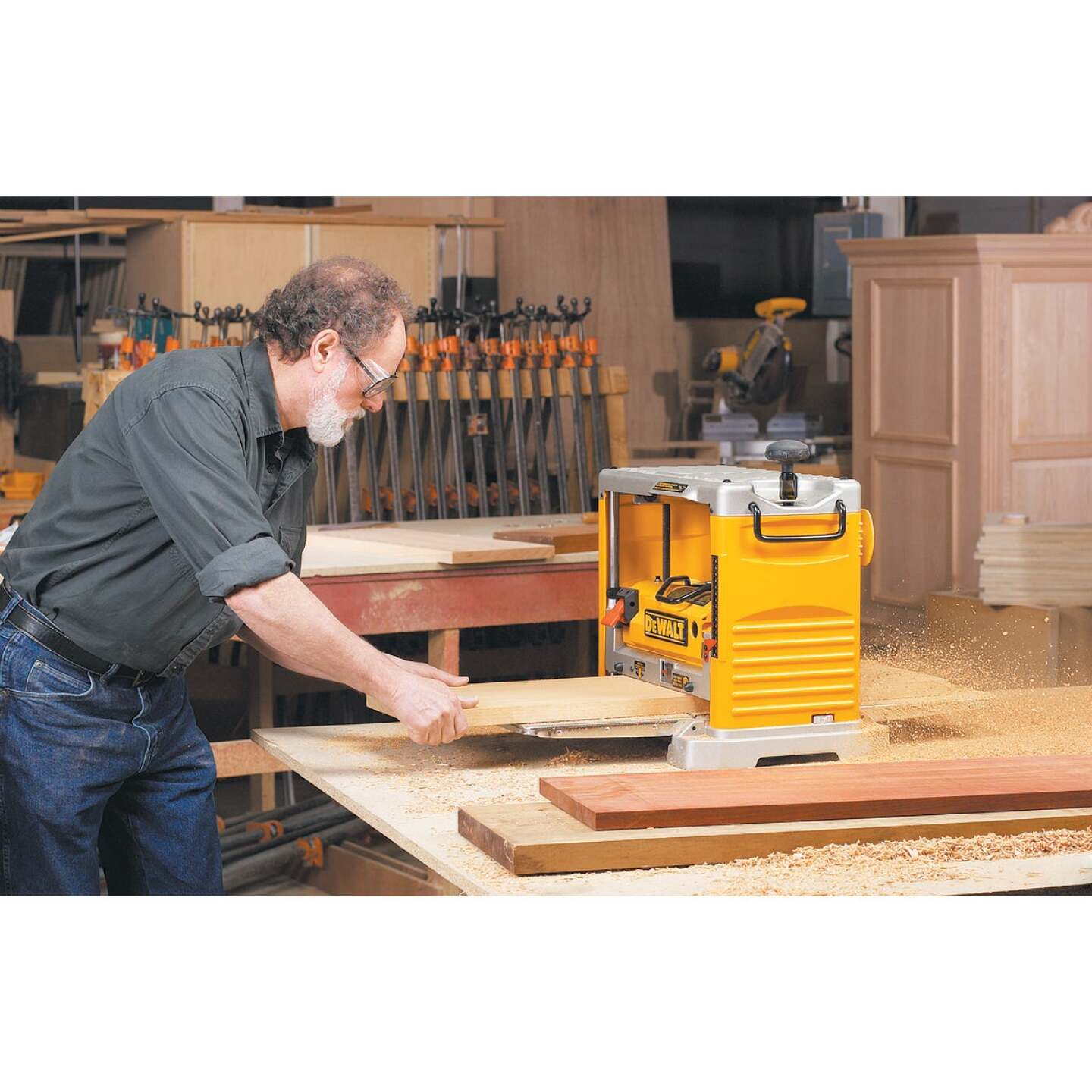 DeWalt 12-1/2 In. Portable Planer Image 3